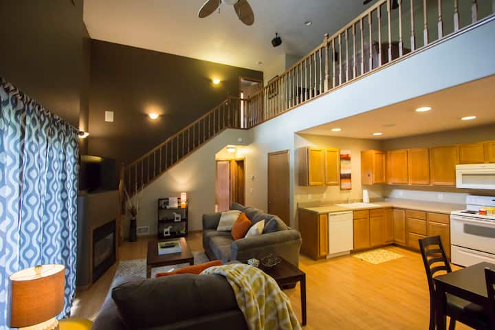 Furnished 2BR 2Bath Loft Apt