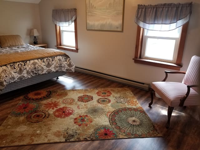 Country home just minutes from Ellicottville!