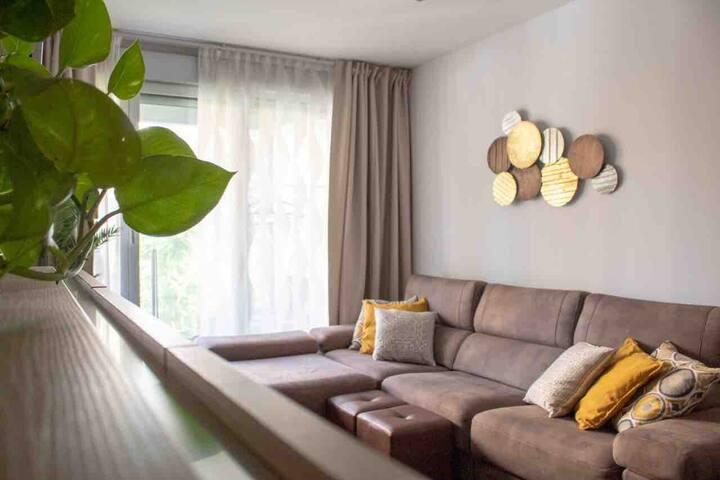 Habitación con cama individual muy acogedora.