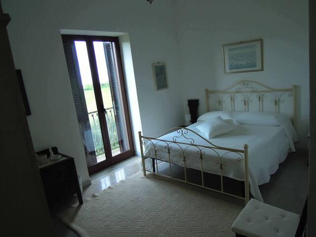 Azienda Agricola Il Melograno - Camera Bianca