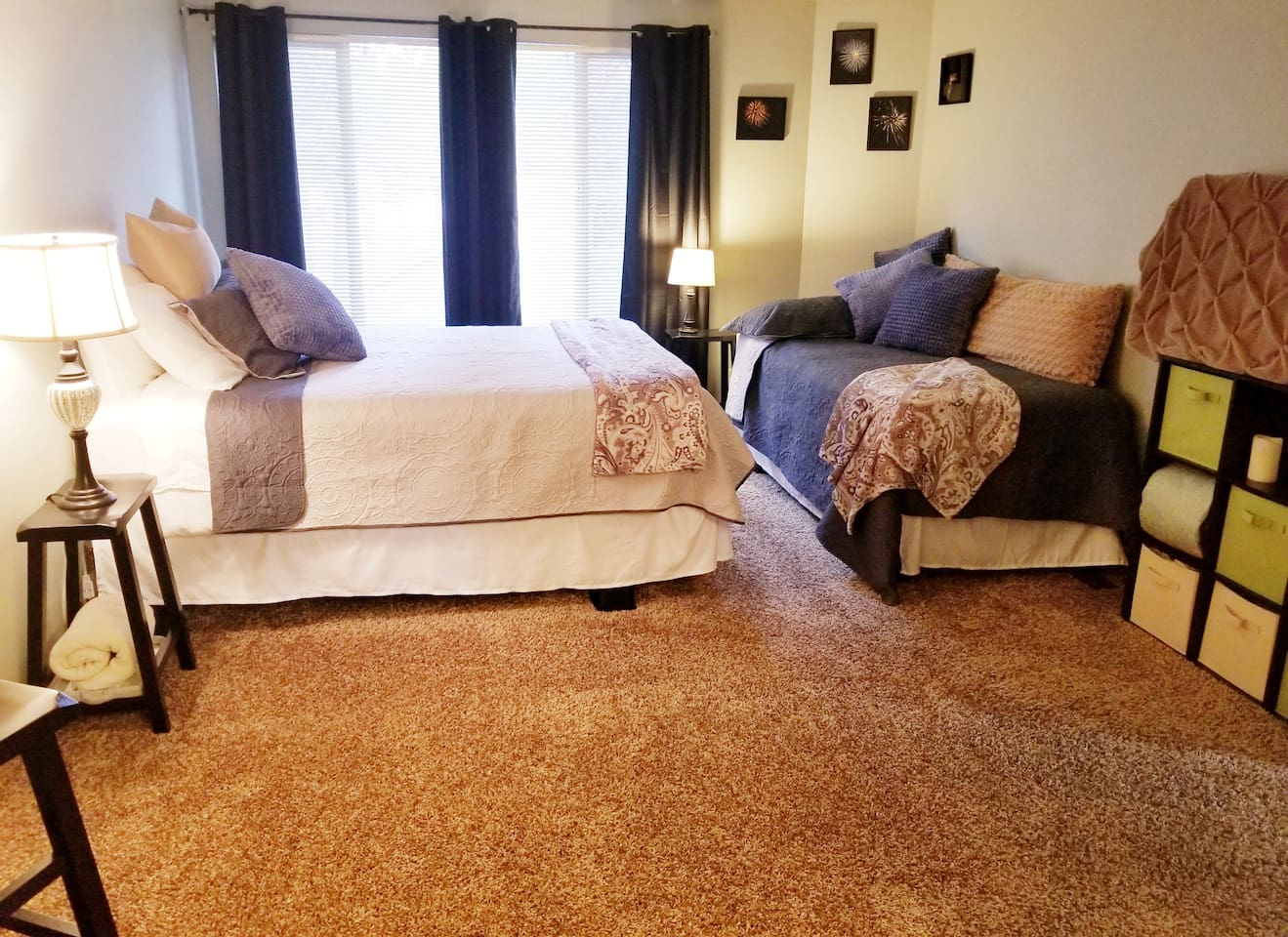Spacious suite next to Sunriver Resort Great Hall with queen bed plus twin bed, private bathroom and two separate vanities, and even your own extra sitting room.