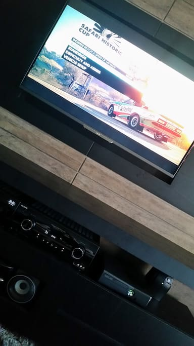 "Home Theater + XBOX + SmarTV 47"" + TV a Cabo e Internet"