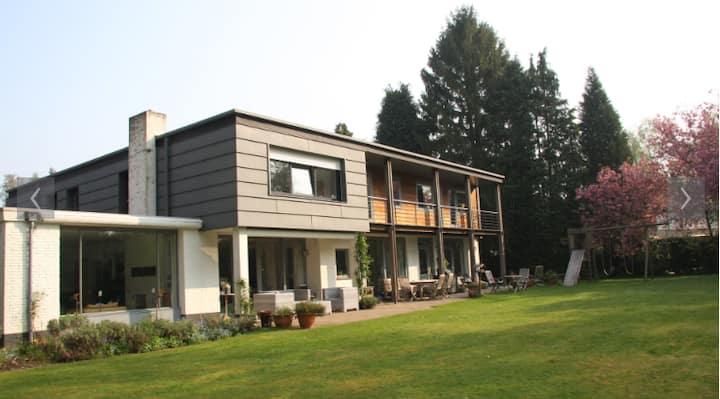 Kamer in groene omgeving nabij Tilburg / Eindhoven