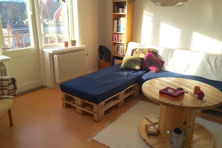 10 minutes by train from Arlanda! - Apartment