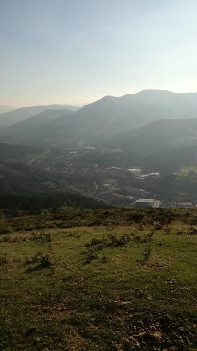 """Ugao-Miraballes """"entre las montañas y 15min de Bilbao"""