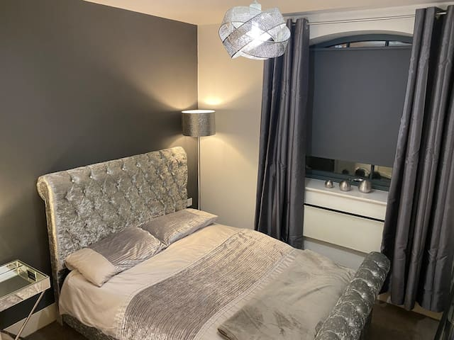 PICADILLY STYLISH EN-SUITE  ROOM