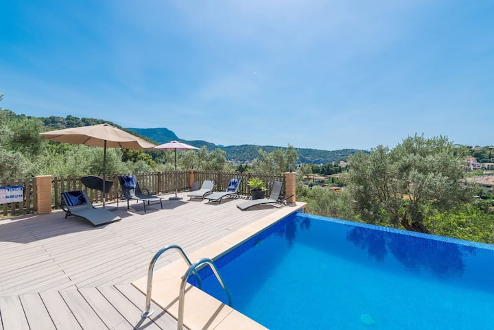 """Holiday Home """"Can Tamany"""" with Mountain View, Shared Pool, Shared Garden & WiFi; Parking Available"""