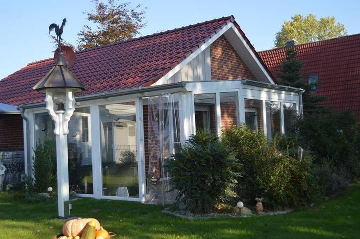 Haus Storchennest mit Aussen-Whirlpool und Sauna