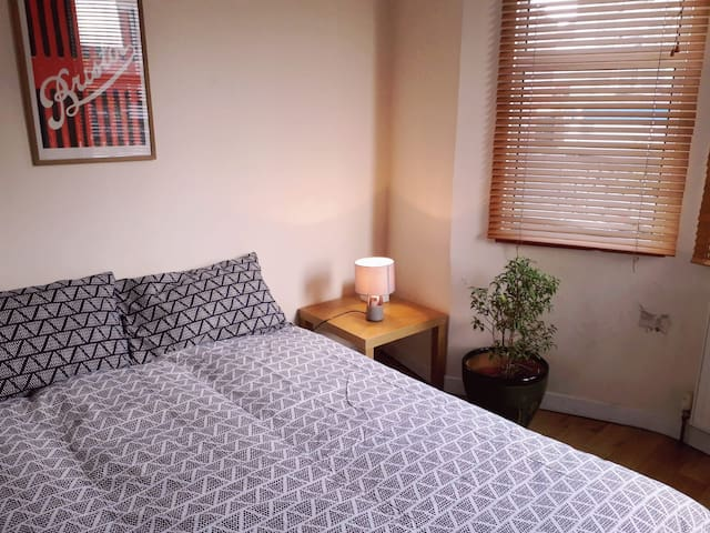 Cosy double-room in the heart of North Street