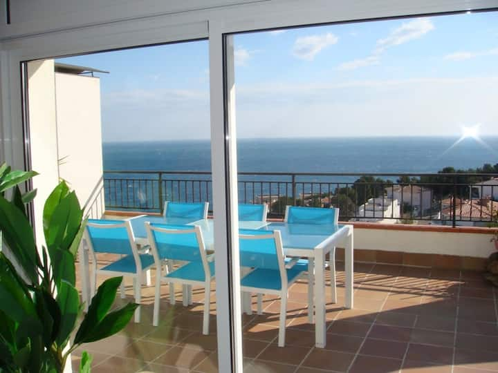 055 Apartment to rent spectacular sea views with a large terrace
