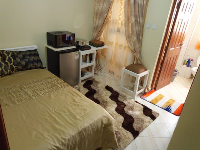 Loresho Lovely fully furnished guestroom