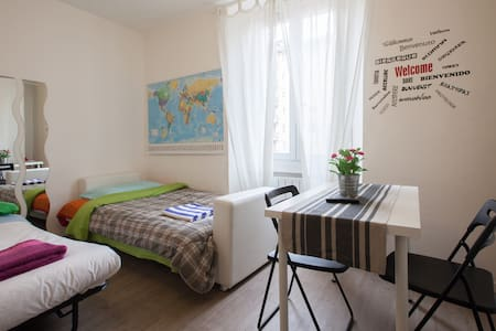 Navigli studio flat with air conditioning