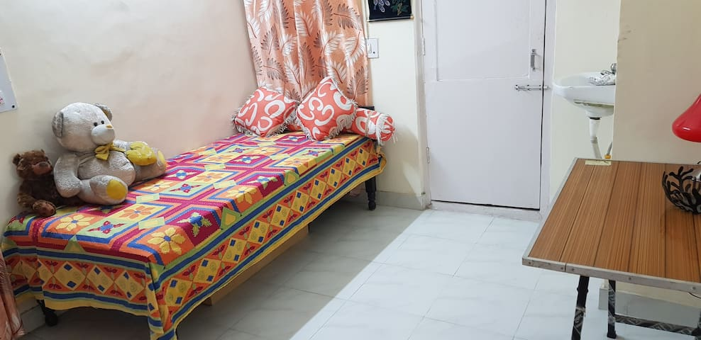 Cozy private bedroom with attached bath in Sec 37