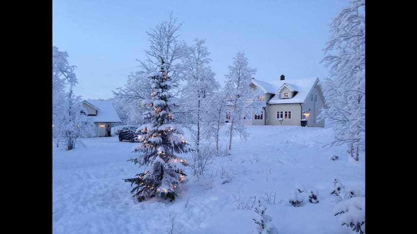 Idyllisk sted på landet - Jarfjordbotn