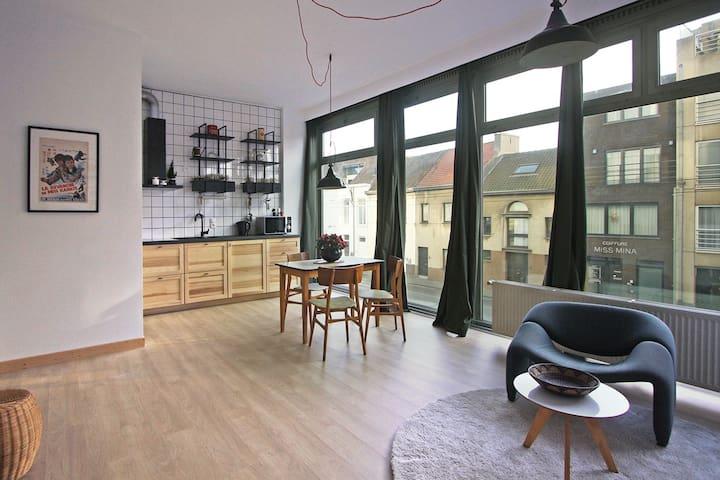 Lichtrijk appartement vlakbij oud stadscentrum
