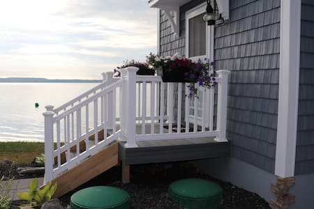 Lakeside Bunkhouse on Seneca Lake - Geneva - Talo
