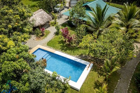 Villa Mango - Private pool - Sleeps 10