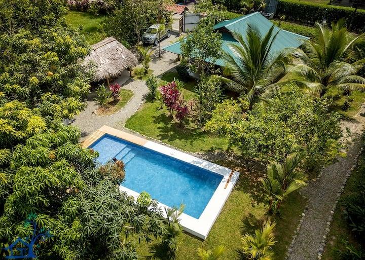 Villa Mango - Private pool - Sleeps 10