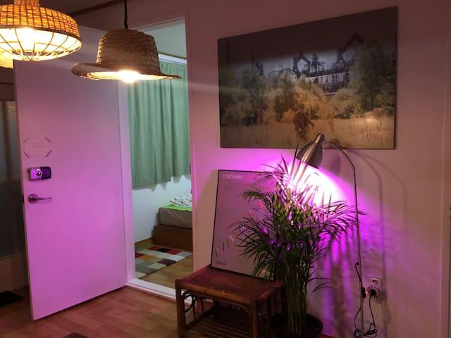 Artist studio triple room (private) near MTR