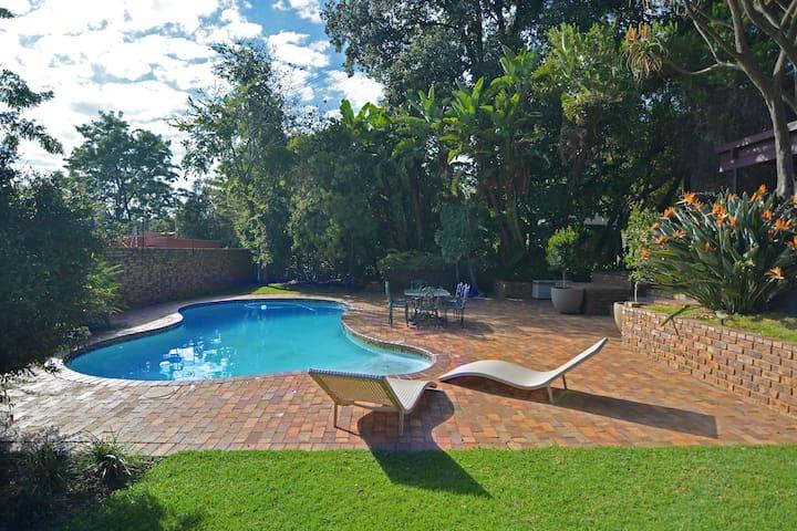 Luxury serviced one-bedroom villa near Sandton CBD