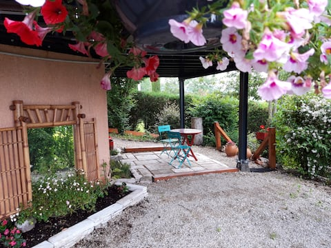 Garden level apartment 65sqm next to Geneva/Annecy