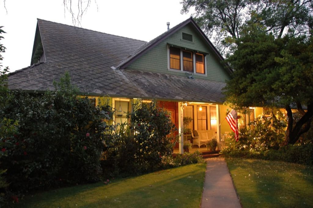 A 1904 Victorian Farmhouse Style home downtown Sonora