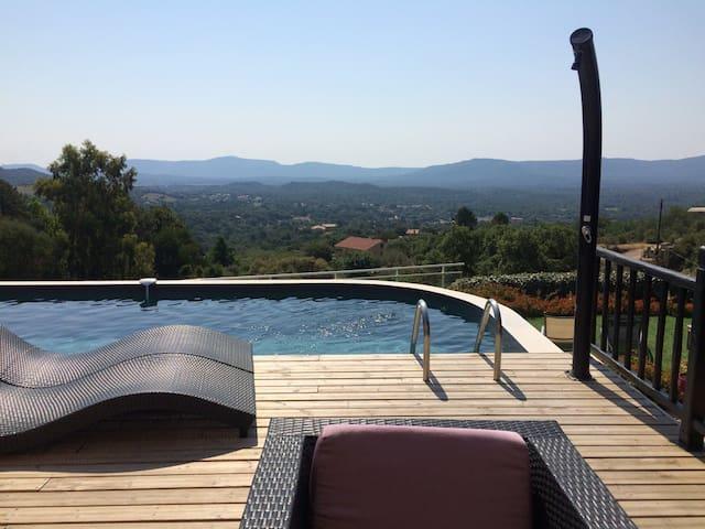 Charmante villa 4* avec piscine chauffée vue 180°