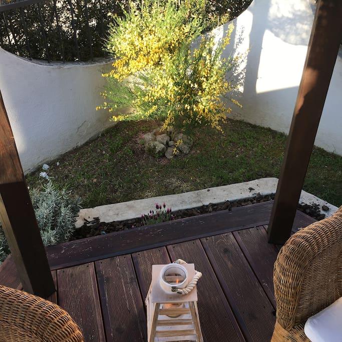 Casa con giardino ulyssessungarden2 vicinoalmare case in - Casa con giardino milano ...