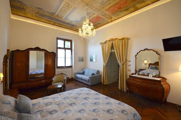 CASTELLO DI AIELLO- Camera 11,  nobile e lussuosa!