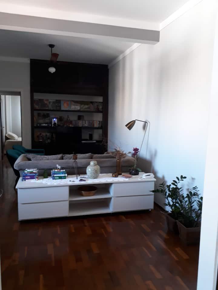 Quarto privado no centro de Ribeirão Preto