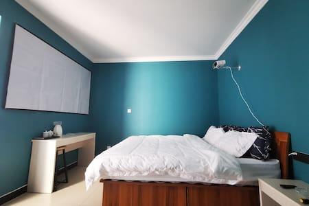 宝塔山景区500米优品公寓