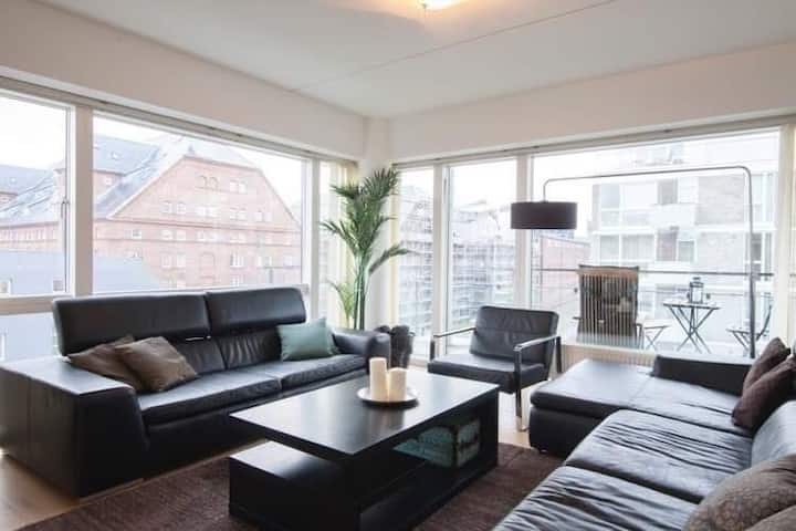 City Apartment  Comfort  Stay, Close  To Metro
