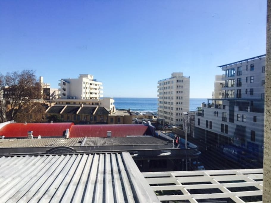 sun drenched apartment in the heart of sea point. Black Bedroom Furniture Sets. Home Design Ideas