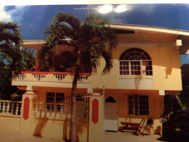 Collingwood Toco Guest House