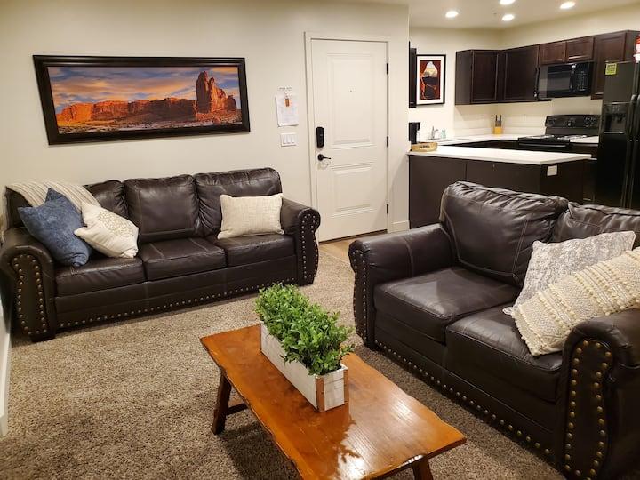 Modern Redcliff Condo 6E,  3 bedroom  2 bath.