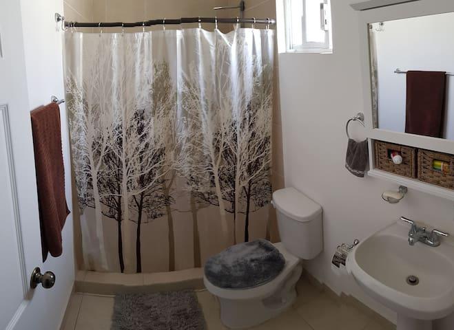 Baño privado en habitación del huésped - Totalmente privado