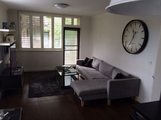 Spacious Apartment, Great Location - Saint Kilda East - Appartement