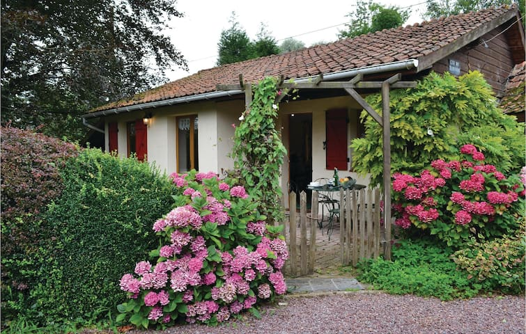 Holiday cottage with 1 bedroom on 50m² in Aubin Saint Vaast