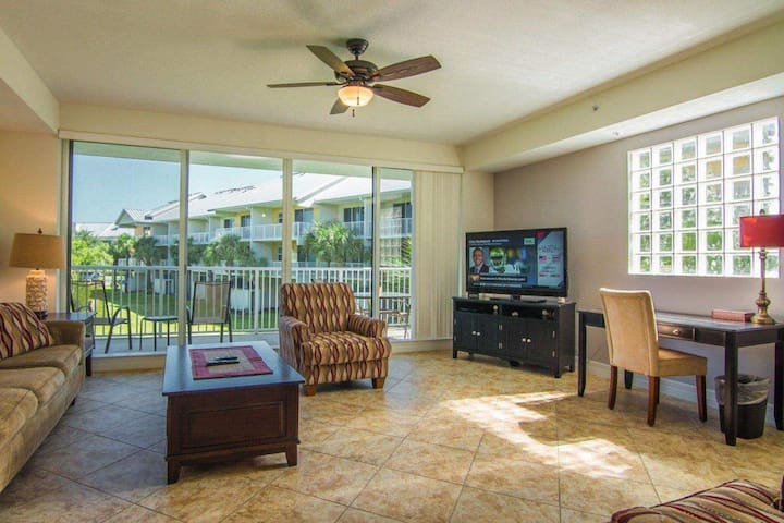 Luxurious townhome in Little Harbor Resort w/ view - Ruskin