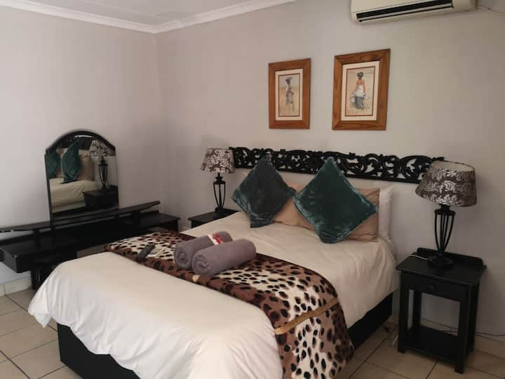 Mystic Rooms Ten Kempton Park