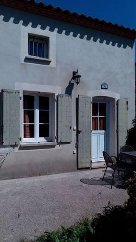 villa 35 m2 avec Terrasse au calme