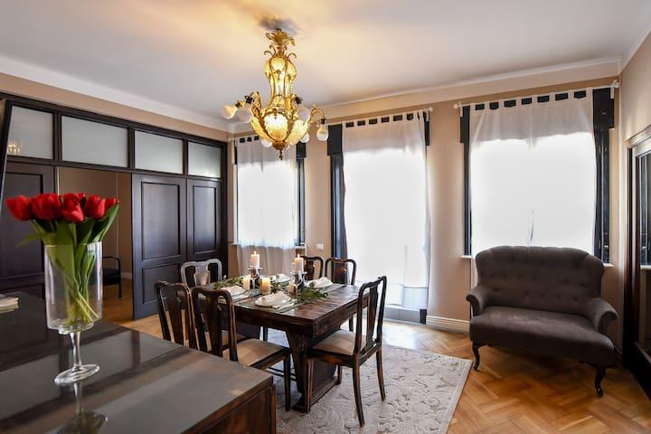 DINNER TIME & LUXURY | Relaxing Terrace