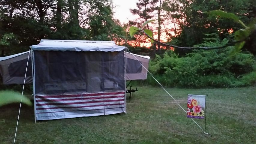 Secluded, Relaxed Pop-up site - Voluntown - Camper/RV