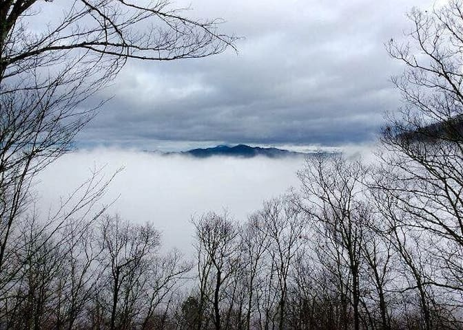 POPULAR: SKY CABIN**SALE**New Listing Pricing - Maggie Valley - Cabin