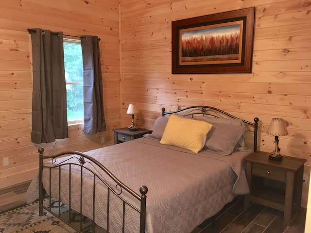 Upstairs bedroom with queen memory foam mattress