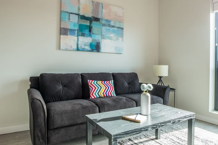 Simple + Walkable Studio Apt in Capitol View South