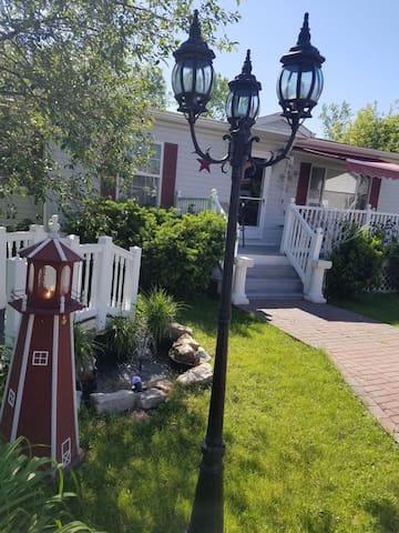 """Gramma Rose's"" House Lk George- Saratoga-Vermont"