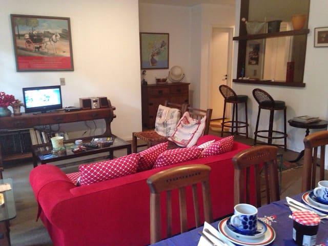 Apartamento aconchegante com 4 quartos - Itaipava - Daire