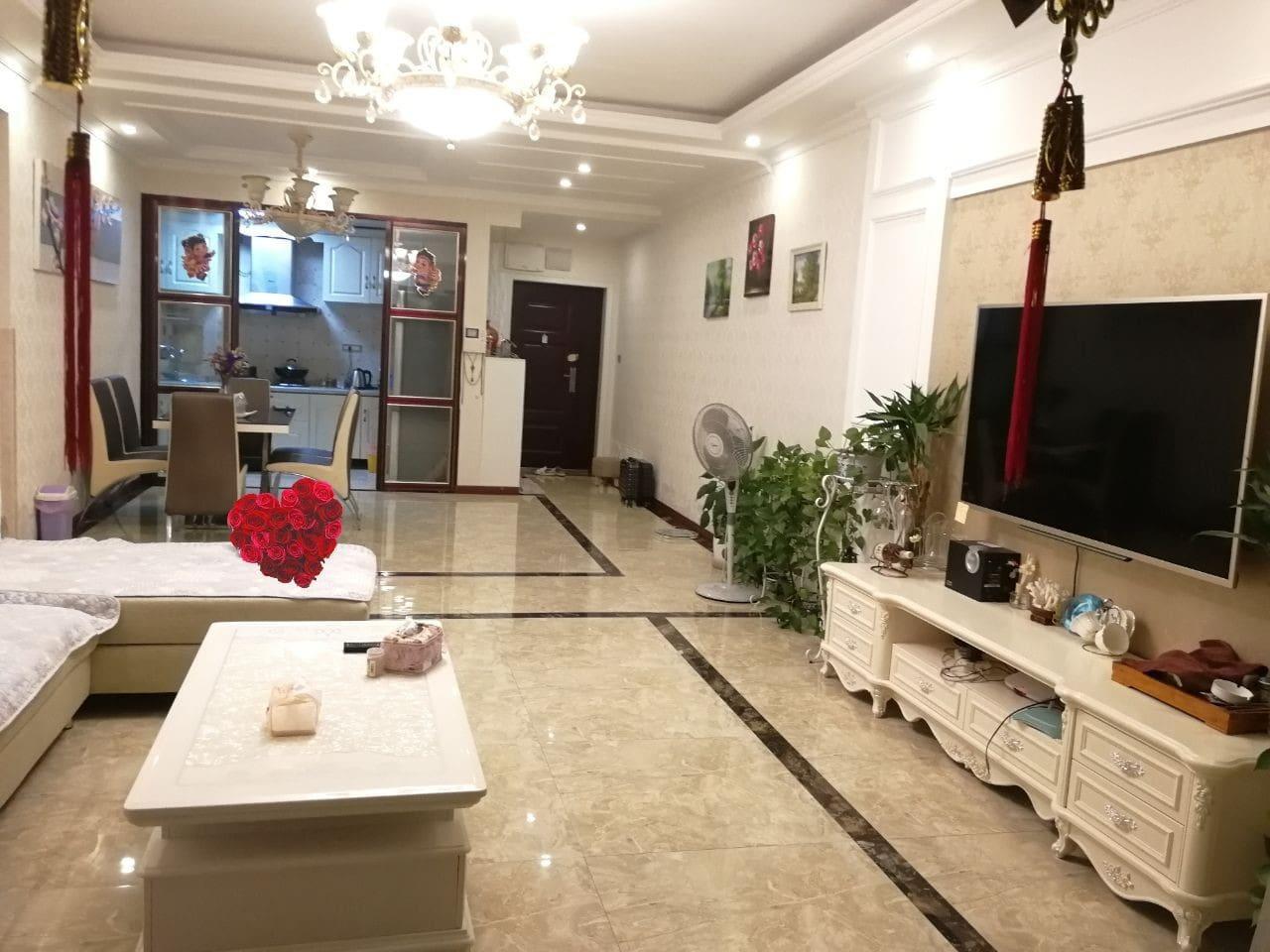 四米二宽的大客厅