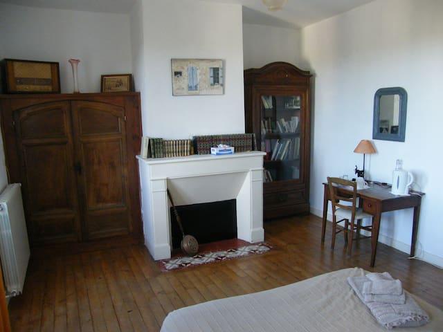 Une autre vue de la chambre